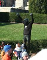 Statue with marathon shirt ready to run
